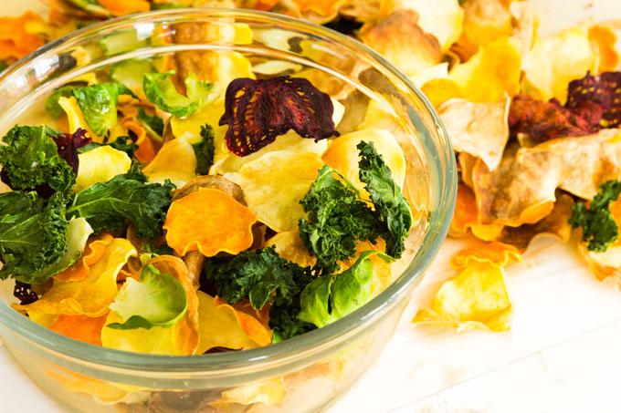 healthy veggie chips from root and leafy vegetables