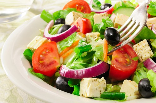 Salad with red onions