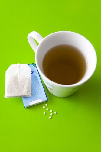 Tea and artificial sweetener