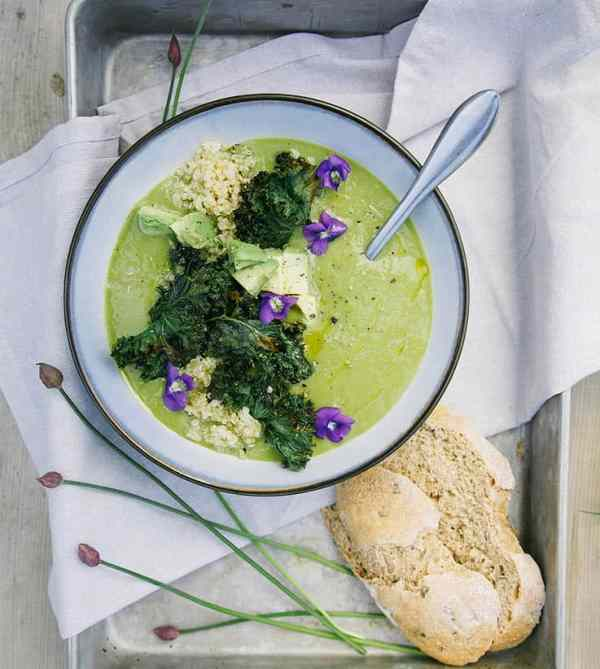 Simple Asparagus and Ramp Soup
