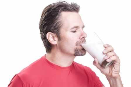 Advantages of Almond Milk