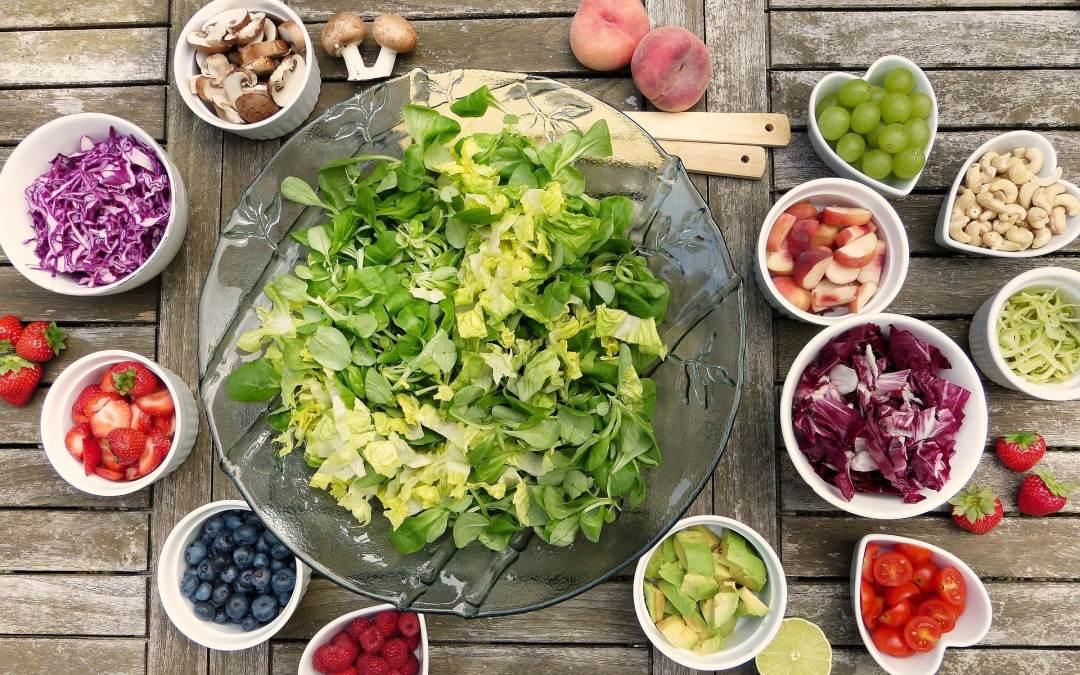 build a healthy salad