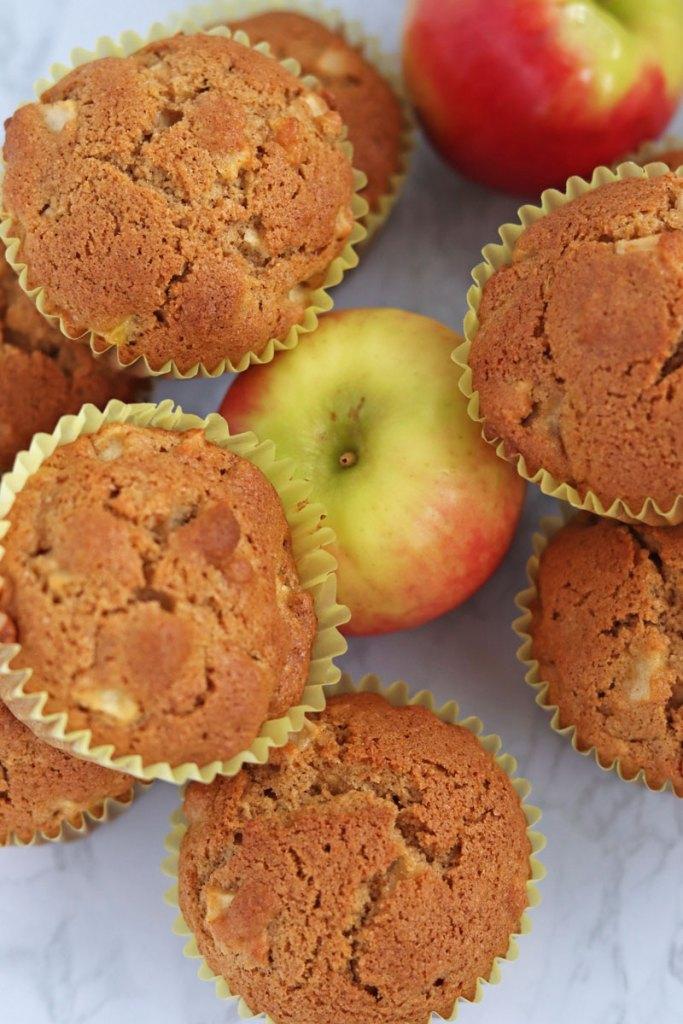 whole wheat apple cinnamon muffins