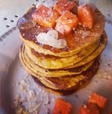 Pancakes papaya e mandorle