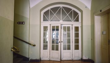 3 Factors to Consider When Installing Films for French Doors - What to Know