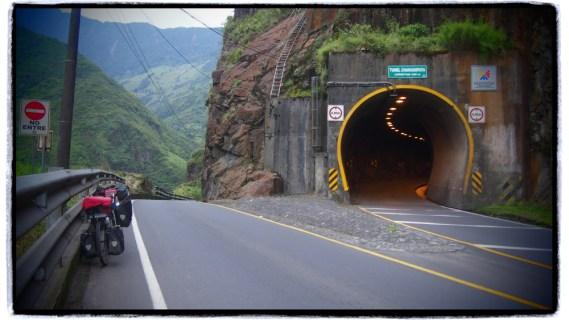 meşhur Banos çıkışı tüneller