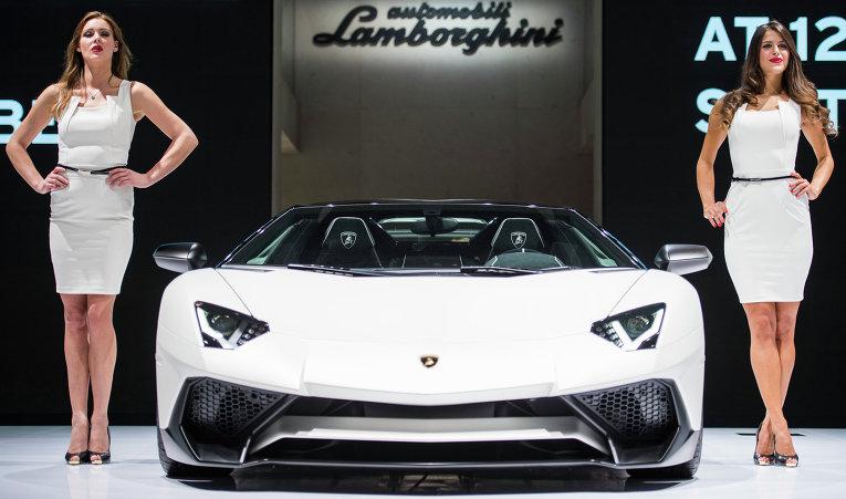 Во Франкфурте (Германия) открылся международный автосалон.