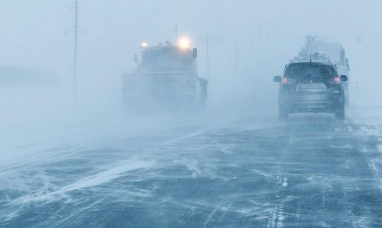 Трасса Оренбург - Орск перекрыта из-за метели