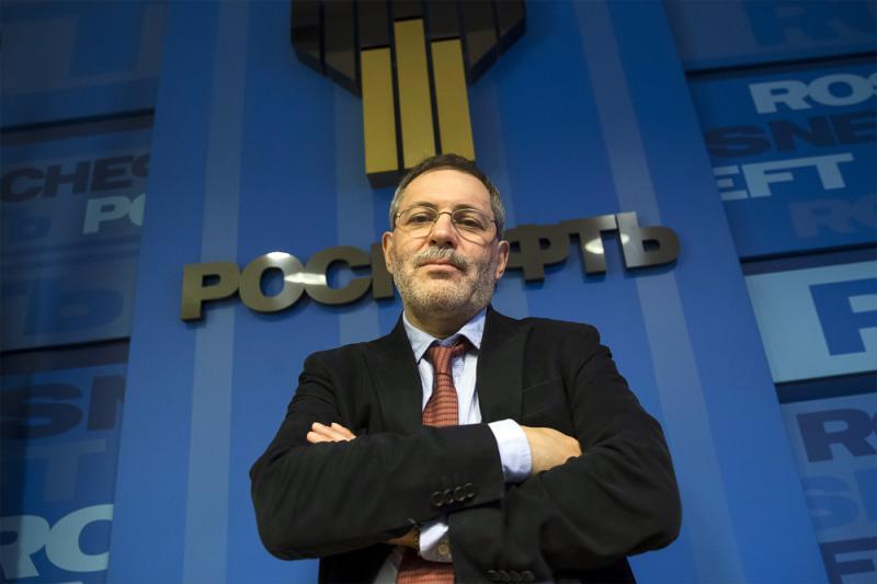 Главный «идеолог» Роснефти, пресс-секретарь М. Леонтьев