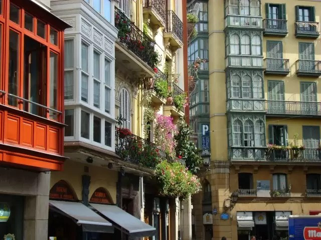 Conjunto_Histórico_Artístico_el_Casco_viejo-Bilbao-2 (Small)