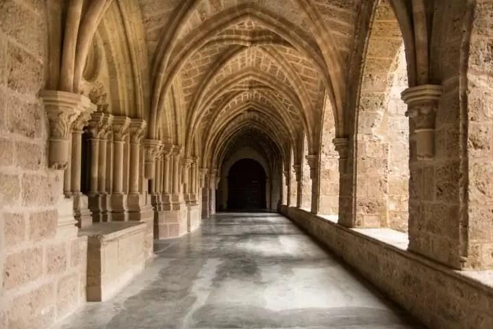 Monasterio_de_Piedra._Claustro (Small)
