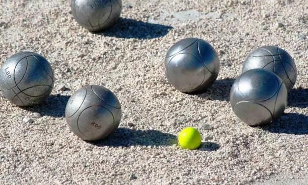 """Jeu de boules in het Moraira stadspark """"een feestje"""""""