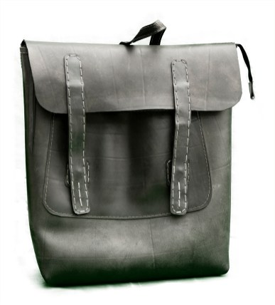 N&N Backpack Laptop bag Standing Front view closed Flap 1500pix