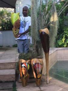 Bob Bobzin Mnisi African Artist with other Palm fronds