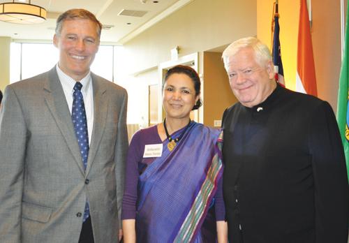 Jay Inslee (left), Jim Dermott (right), and the Ambassador of India Meera Shankar (Photo by George Liu/NWAW)