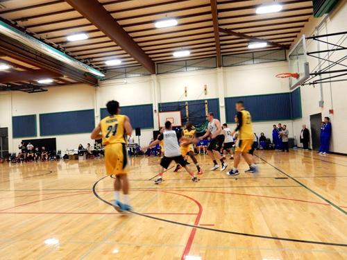https://i1.wp.com/nwasianweekly.com/wp-content/uploads/2014/33_51/front_basketball2.JPG?resize=500%2C375