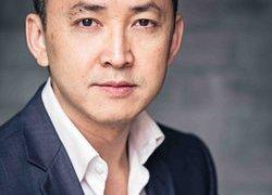 Vietnamese American writer wins Pulitzer
