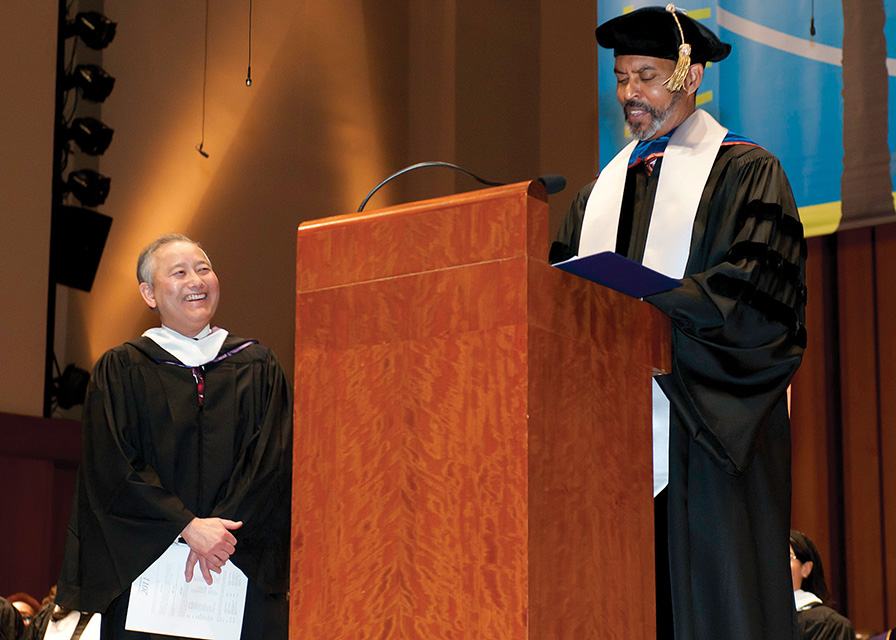 Al received Distinguish Alum award from Seattle Central College. (Photo by George Liu/NWAW)