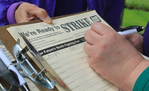 Since July 29, SEIU Local 503 has been circulating a member petition in support of strike authorization at the Oregon University System.
