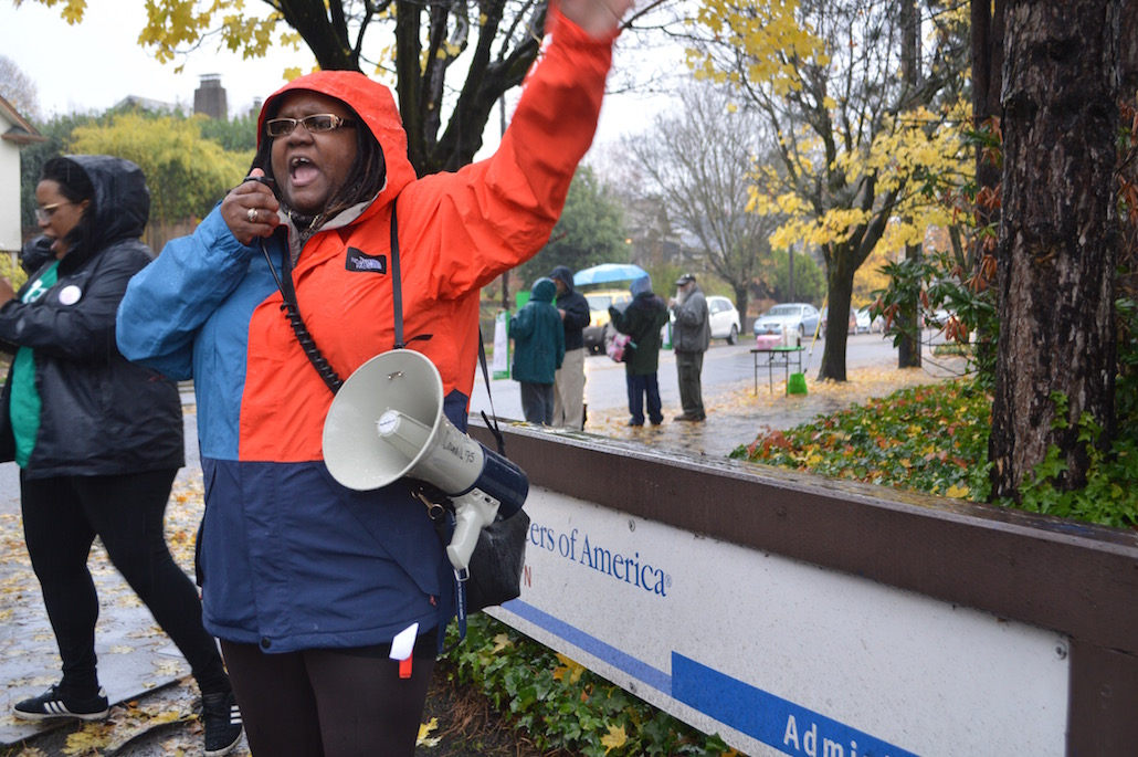 At Volunteers of America, still no contract