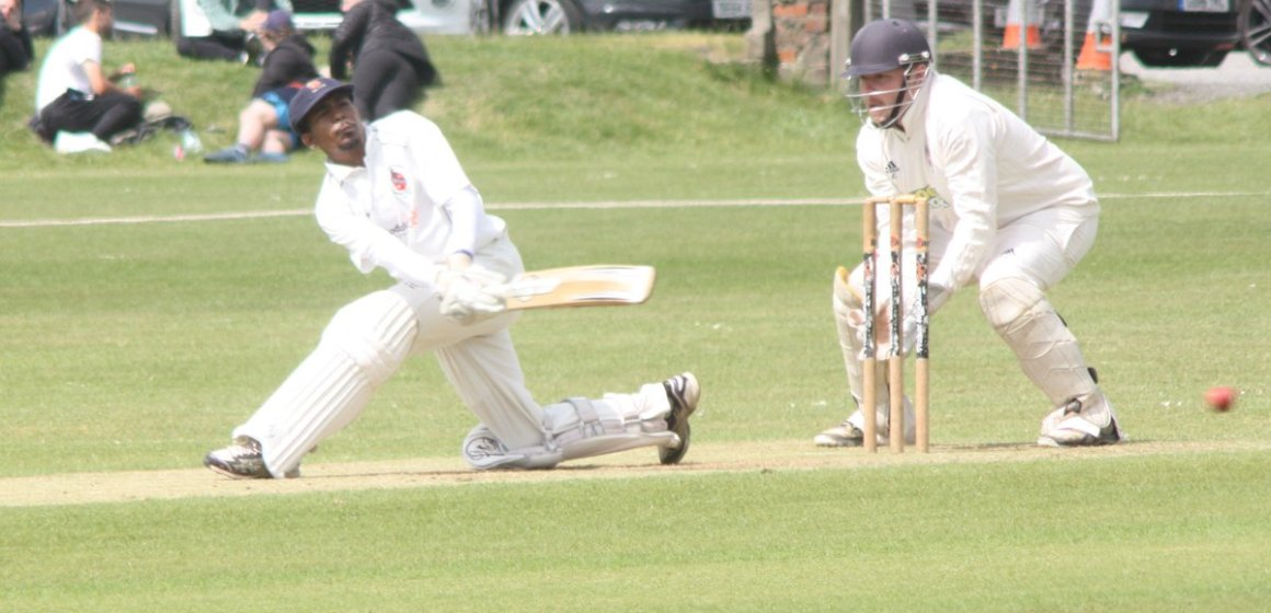 Mochdre show their mettle yet again by toppling the leaders in a thriller