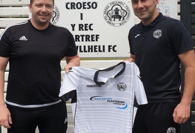 Craig Papirnyk joins CPD Pwllheli as player-coach