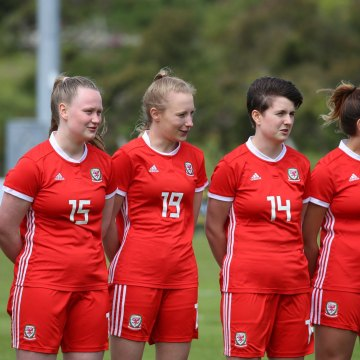 Amlwch Women sign five stars of Ynys Môn squad