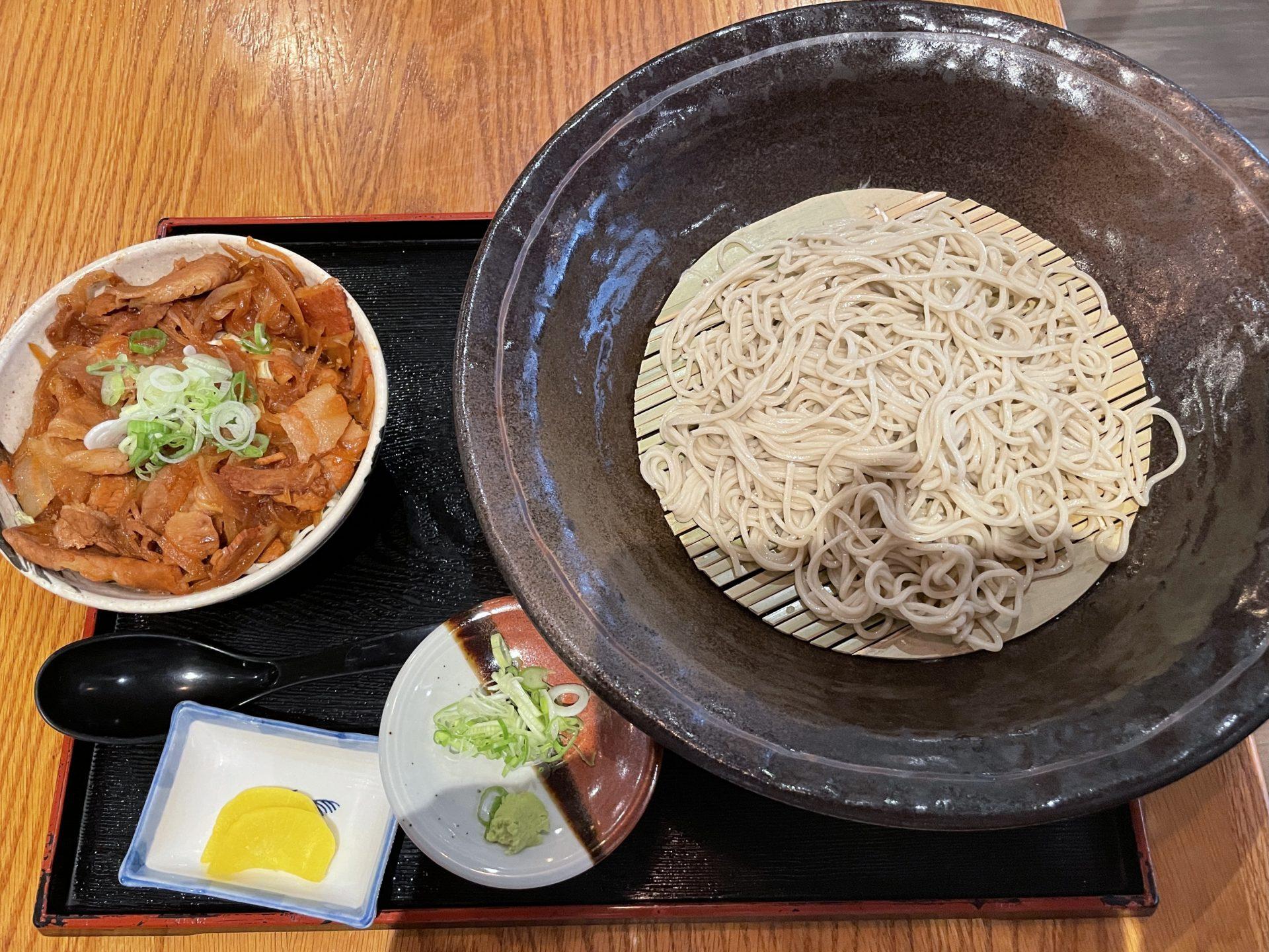 【和食コンボ】蕎麦と丼のセットが嬉しい「生そば あずま」は大盛り無料!メニュー豊富