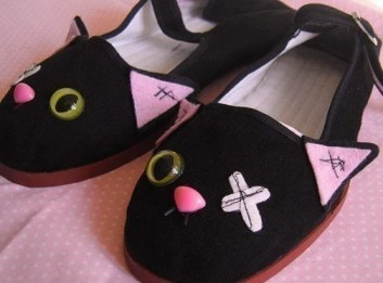 zombie kitty shoes by emandsprout