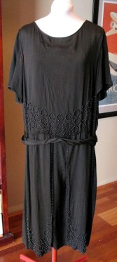 Vintage 1920s Silk Crepe Beaded Dress - L AS IS