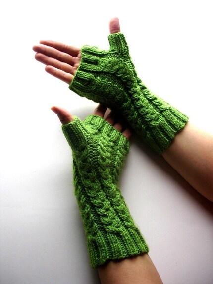 Fingerless Gloves - Green Asparagus