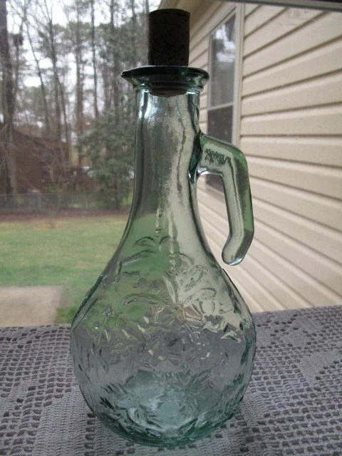 SALE//// Green Depression Glass liquor-wine decanter-bottle with handle