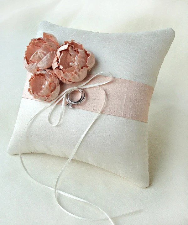 Catala Blush Bouquet Silk Ring Pillow