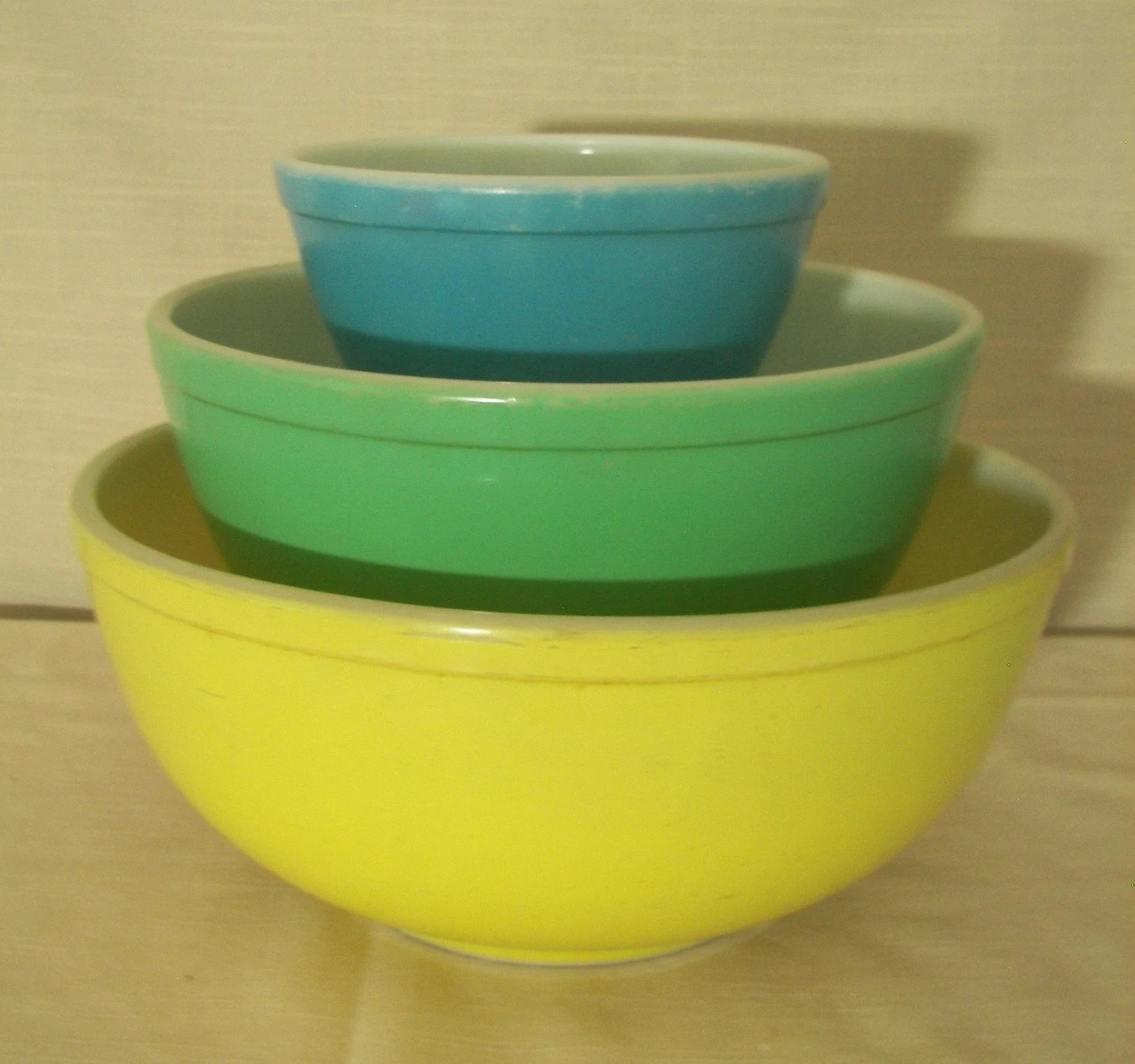 Vintage Pyrex Primary Mixing Bowls Set of 3