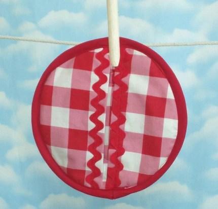 Cherries oven mitt