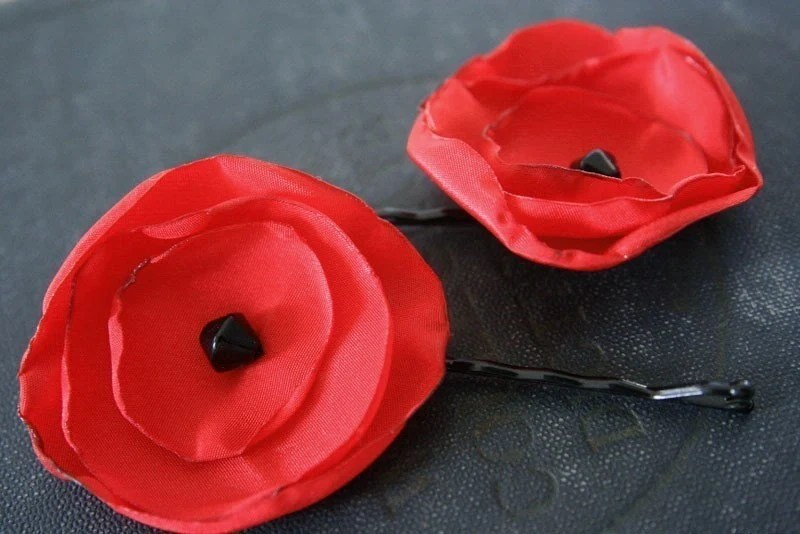 recycled poppy bobbypins