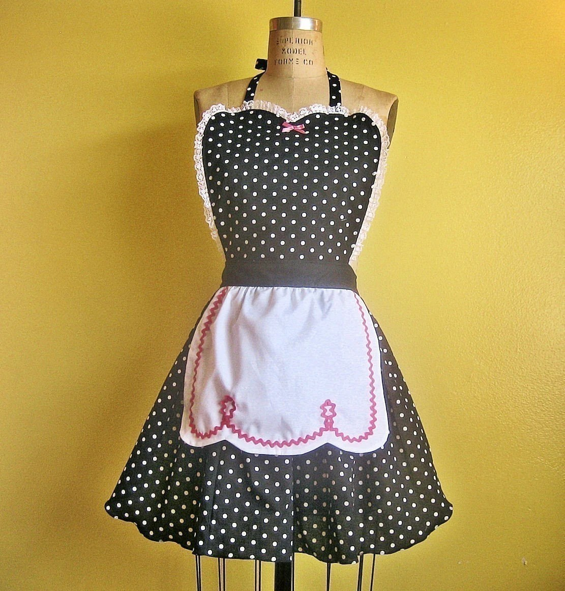 Retro 50s BLACK POLKA DOT full APRON with fifties ric rac details make a sexy hostess and is vintage inspired