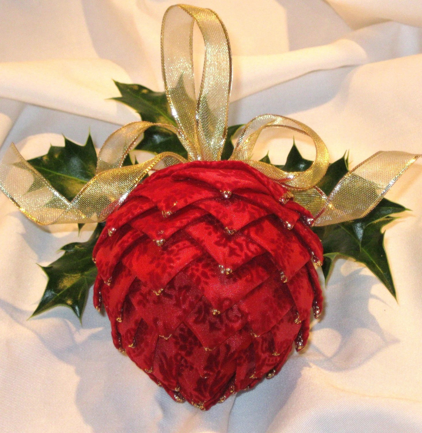 pine cone, ornament, hostess gift, red, gold, Christmas, decoration, wedding, party favor, reception decoration, pom pom pine cone