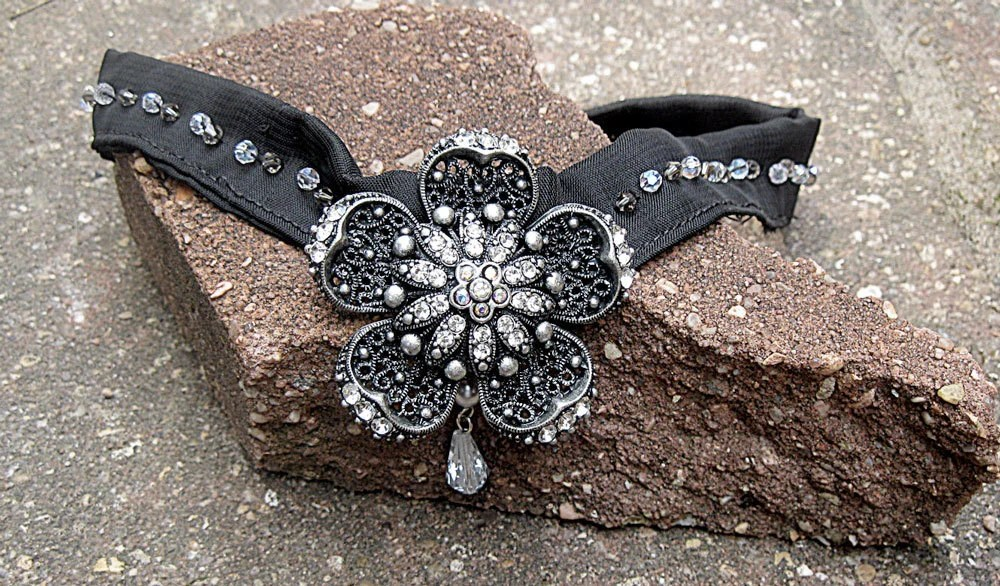 Gothic Flower Choker Necklace