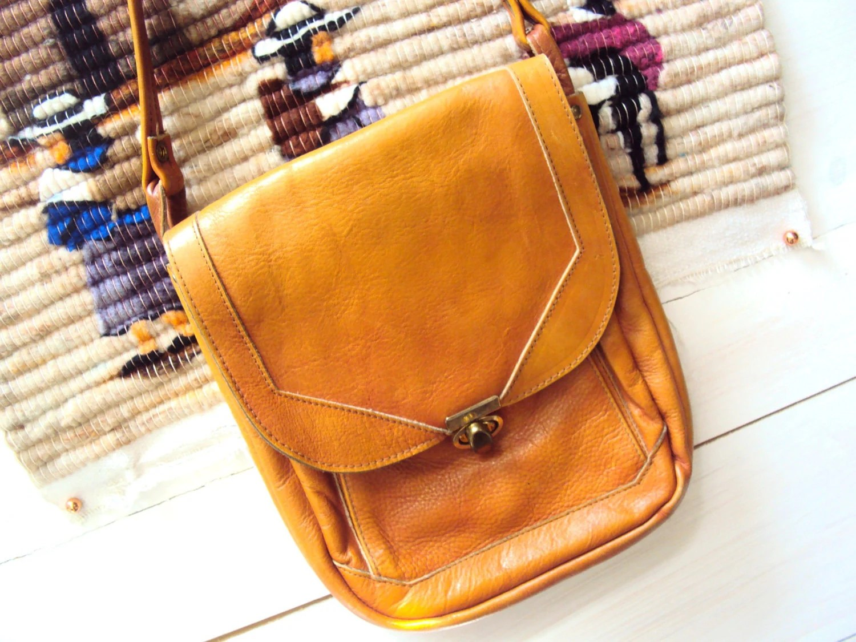 Vintage 70s Leather Saddle Bag