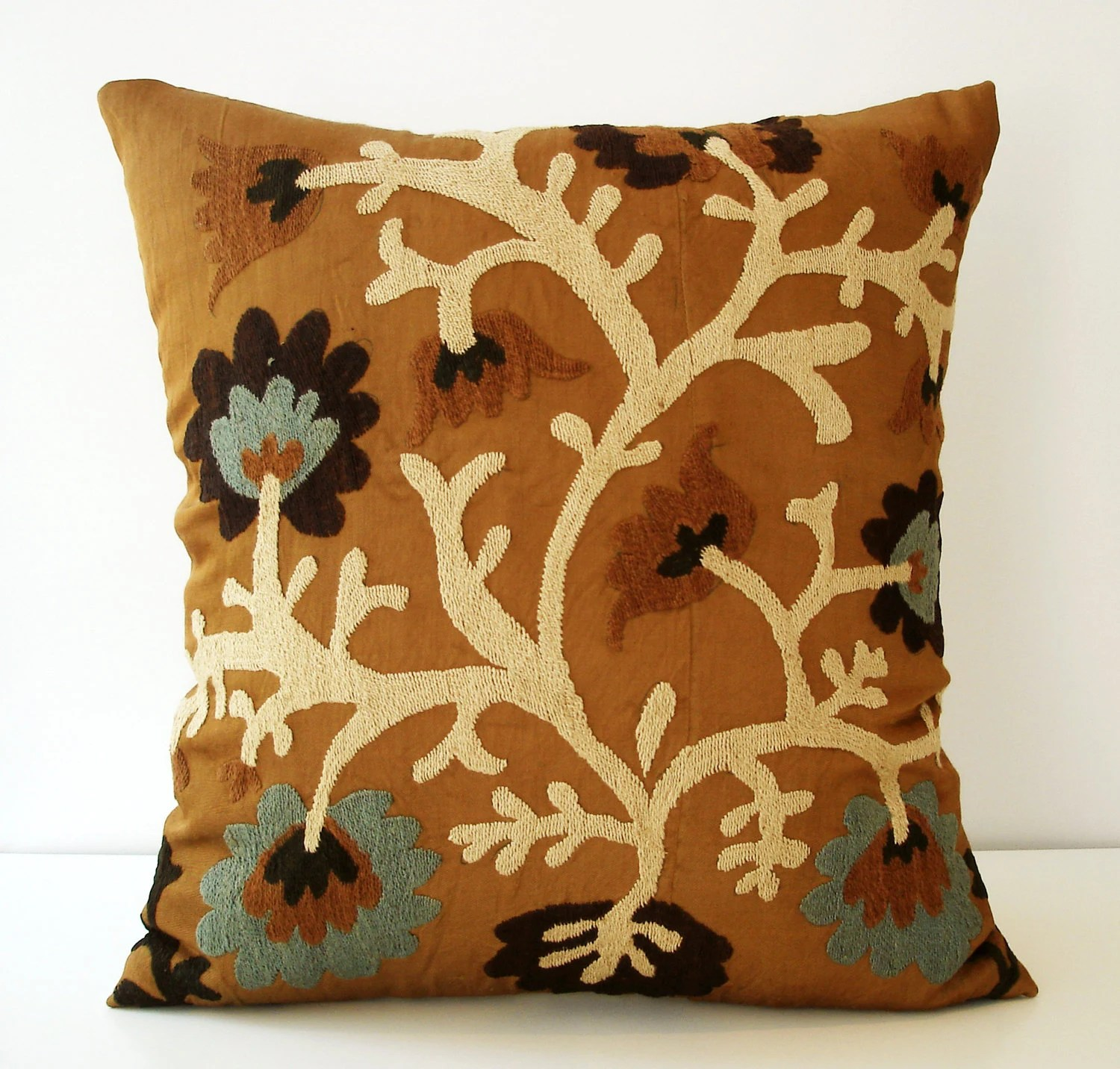 Sukan / Vintage Hand Embroidered Suzani Pillow Cover - 18x18