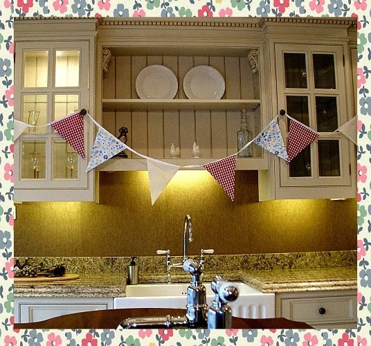 12 ft Shabby Chic Bunting in Gingham and Floral Print