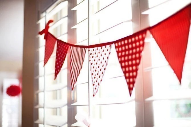 Bunting / Flags / Pennant Strings - Strawberries and Cream