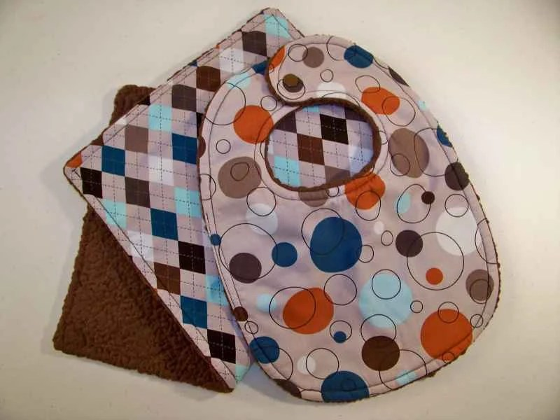 Circles/Diamonds Boy Baby/Toddler Bib and Burp Cloth Set