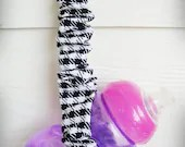 Toy Leash, Sippy Cup Tether, Bottle Holder - Houndstooth in Black and White