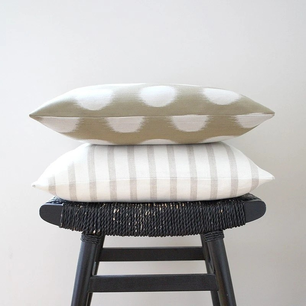 SHEER LINES Linen Cushion Cover, Throw Pillow 45 x 45 cm (18 x 18 inch)