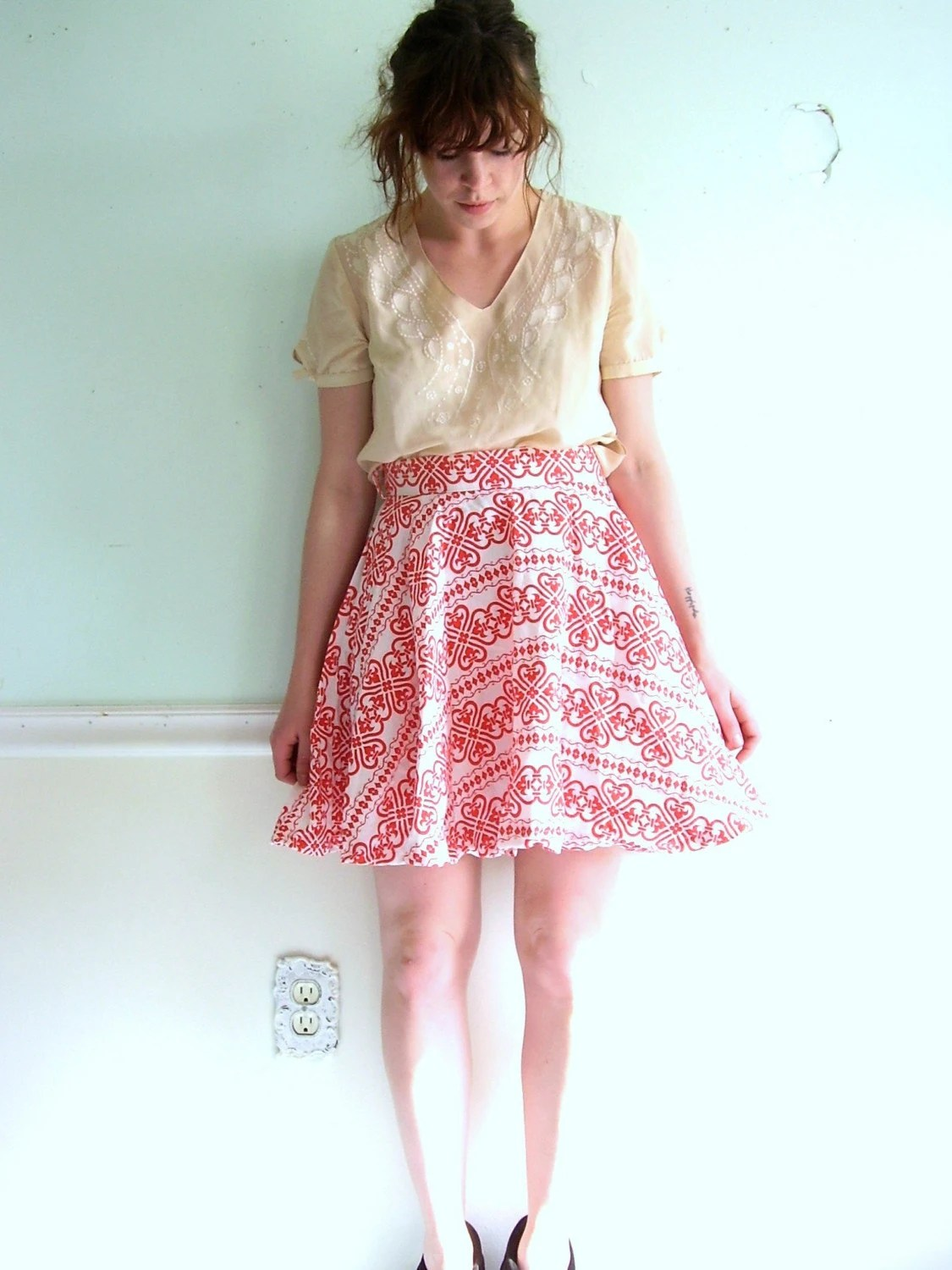 PLAY WITH FIRE Cream and RED Ethnic Printed HIGH WAISTED FULL Pocket Mini Skirt S/M