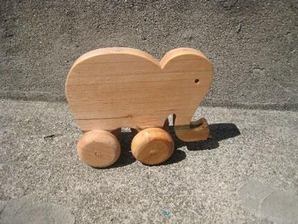 Maple Lil Ellie Roller Toy