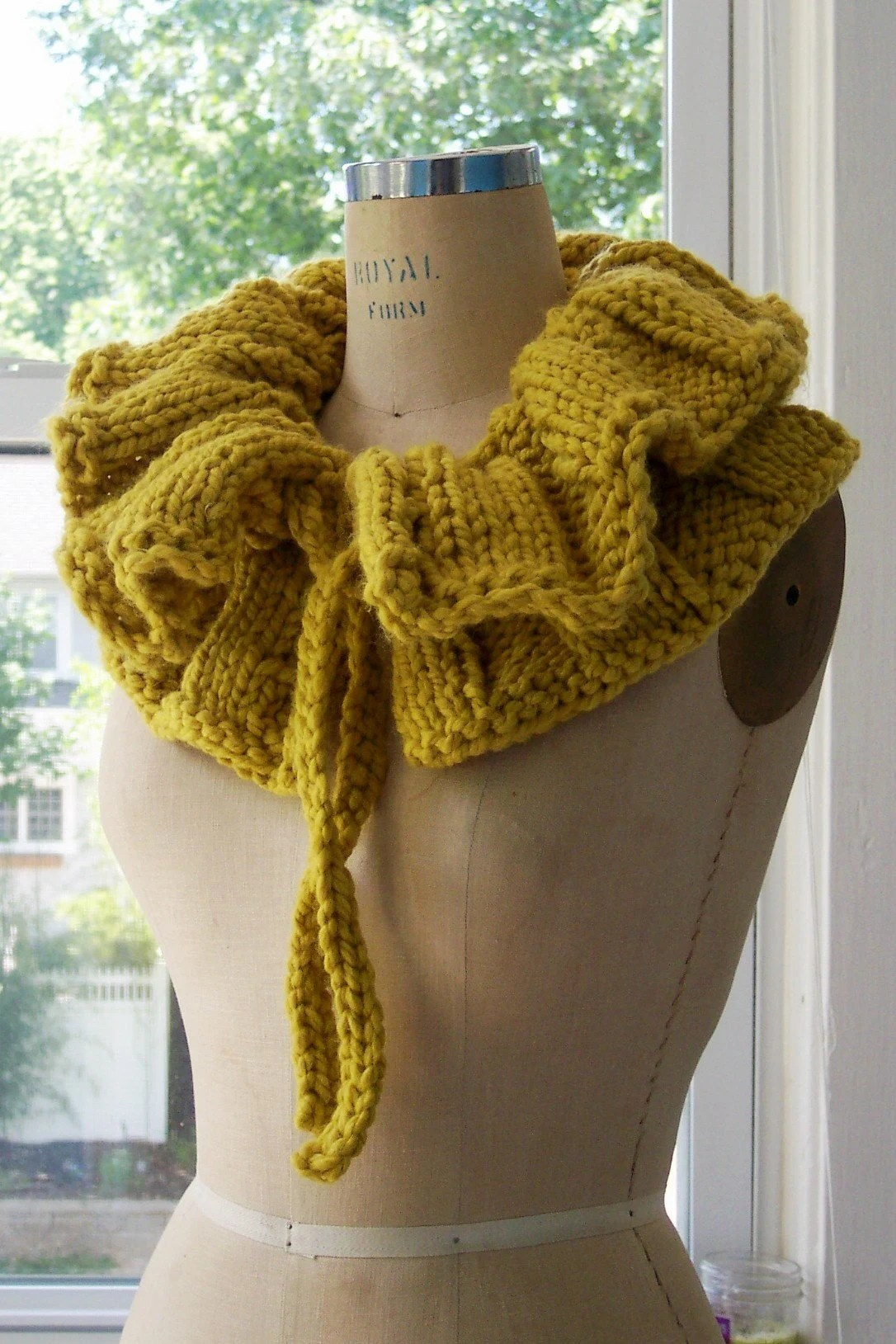 would i look cool or silly in a neck ruff? lemonlime muff, $55.80 from MegnificientCo.