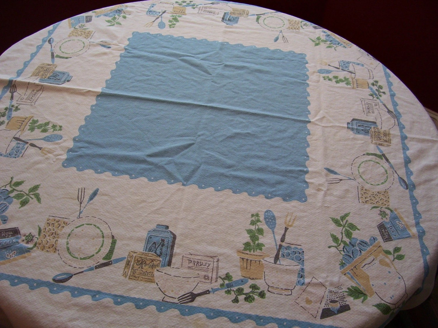 1950's Kitchen Kitchy Retro Cafe Tablecloth Spice and Dinnerware Design